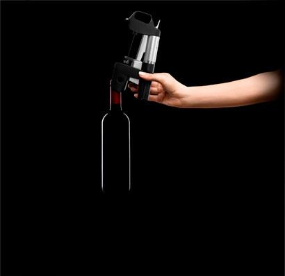 Устанавливаем систему Coravin на бутылку фото