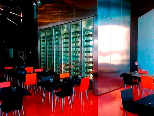 Система горизонтального хранения винных бутылок фото