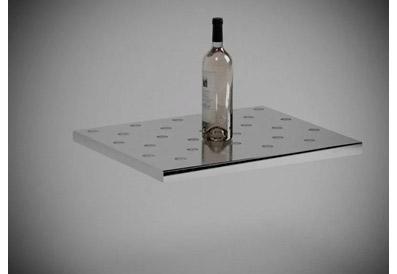 вертикальное расположение бутылок с вином фото